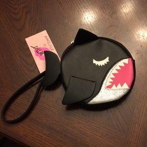 🦈Betsey Johnson Shark Wristlet🦈
